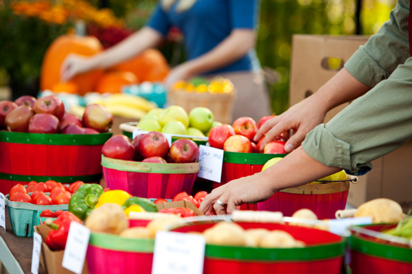 farmers-market-fruit-vegetables-fall